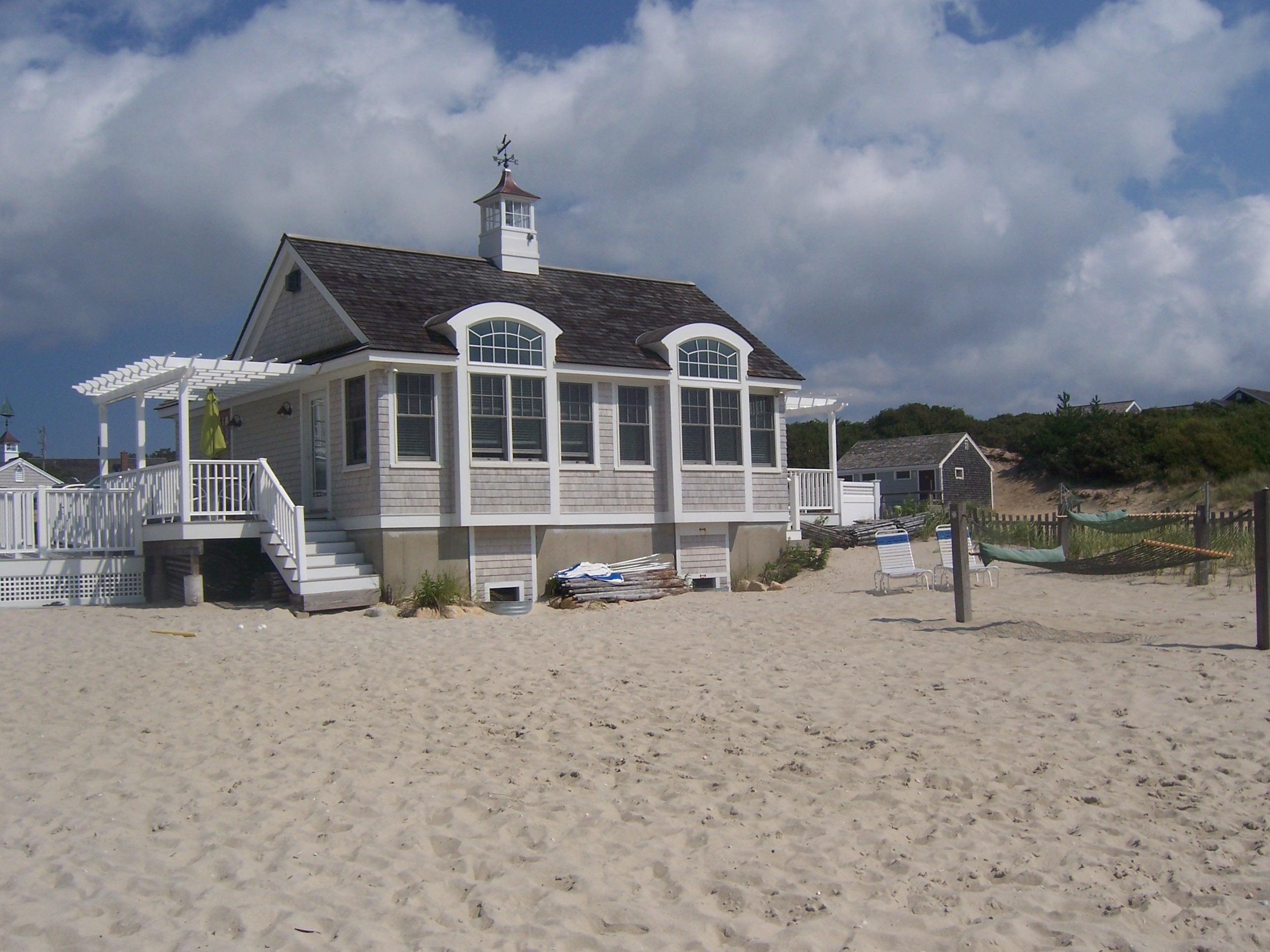 Cape cod inn the beach house inn on the beach cape cod for Beach house on the beach
